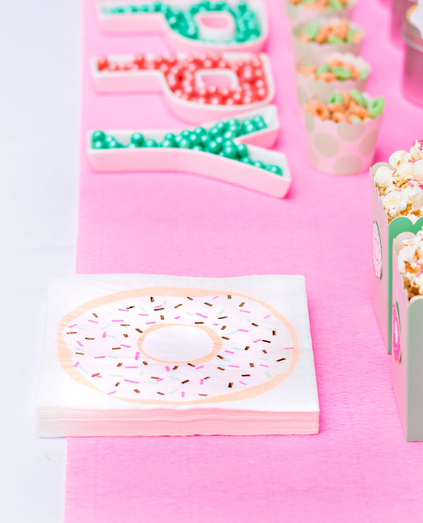 You can get pretty messy eating donuts! These fun napkins will clean that mess right up!