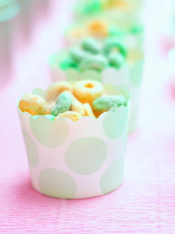 Like we said, you need a variety of food, but it can still be donut shaped! We filled up our baking cups with cereal - perfect for 3 year old's to snack on!